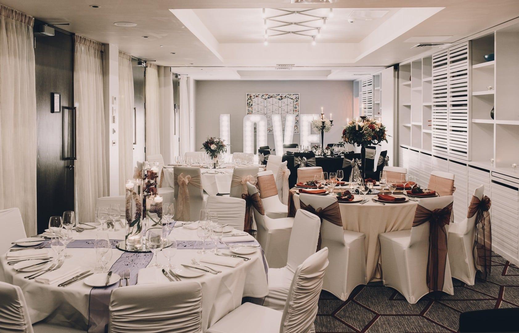 glasgow-malmaison-scottish-wedding-venue-city-centre-boutique-hotel-packages-reception-ceremony-event-dining-centrepiece-love