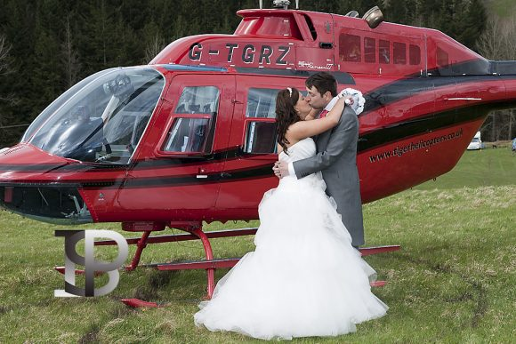 ian-scrimgeour-photography-scottish-dundee-fife-perth-wedding-photographer-bride-groom-helicopter