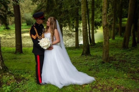 ian-scrimgeour-photography-scottish-dundee-fife-perth-wedding-photographer-bride-groom-outdoor-veil-fernis-castle