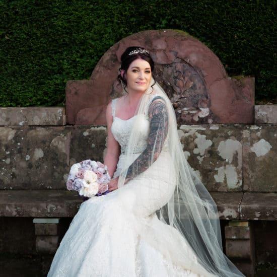 Glamis Castle Weddingian-scrimgeour-photography-scottish-dundee-fife-perth-wedding-photographer-bridal-bouquet