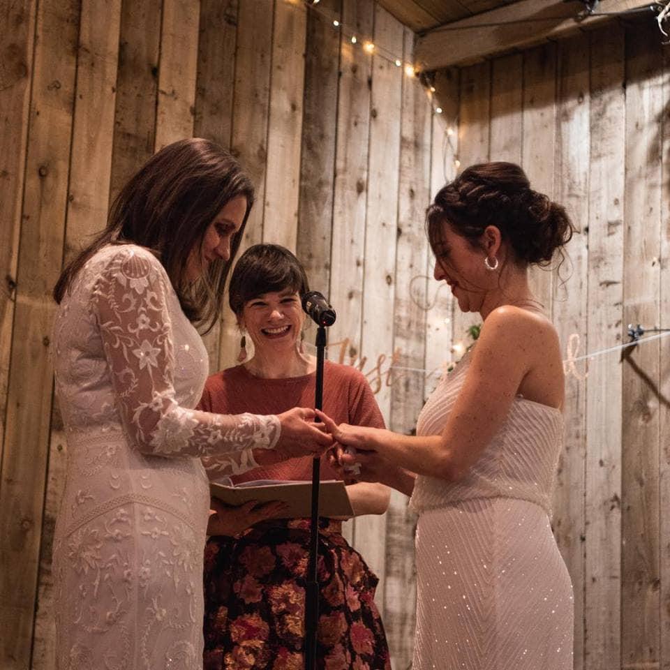 linda-keys-scottish-wedding-celebrant--rings