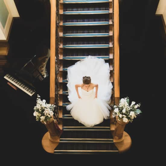 isaac-craig-photography-scottish-glasgow-wedding-photographer-bride-staircase