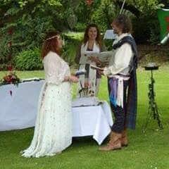 true connection scottish edinburgh wedding celebrant outdoor