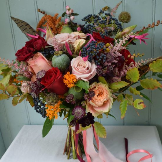 scottish-highlands-wedding-florist-bothy-blooms-bride