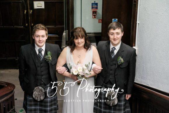 55photo-scottish-wedding-photographer-bride-usher