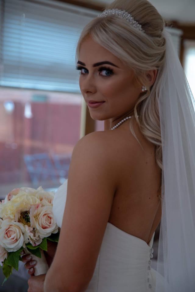 rb-photoworks-scottish-wedding-photographer-glasgow-bride-closeup