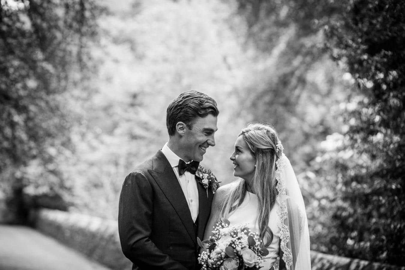 scottish-wedding-photography-nadine-boyd-black-white-bride-groom