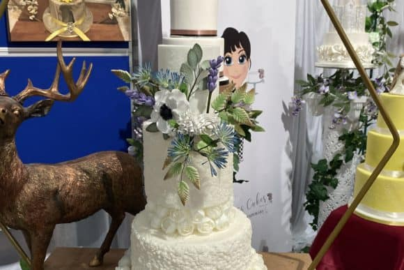 high-class-cakes-scottish-borders-wedding-cake-floral-bespoke-design