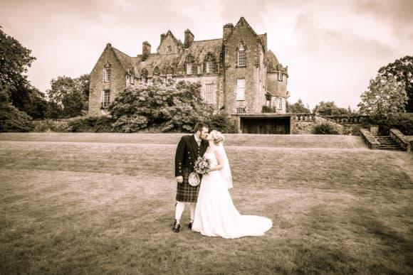 Corona Photographic-scottish-stirling-wedding-photographer-garden-castle