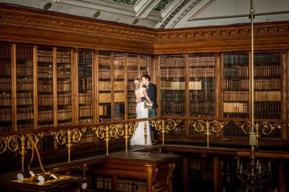 Corona Photographic-scottish-stirling-wedding-photographer-bride-groom-kiss