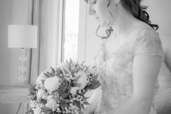 isla-brig-images-scottish-highlands-wedding-photography-bridal-bouquet