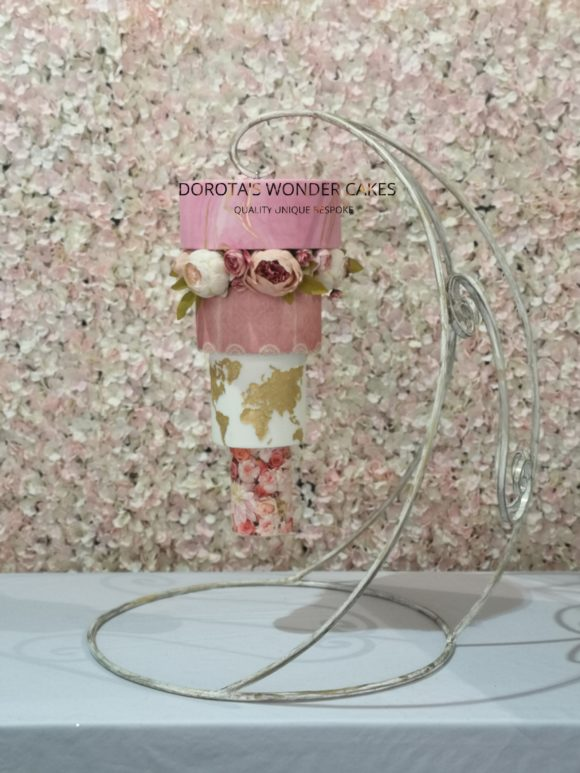 dorotas-wonder-cakes-scottish-wedding-gravity