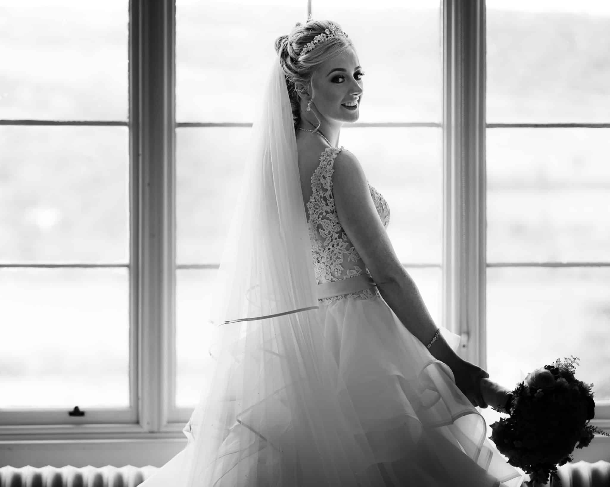 v10visuals-scottish-glasgow-wedding-photographer-bride