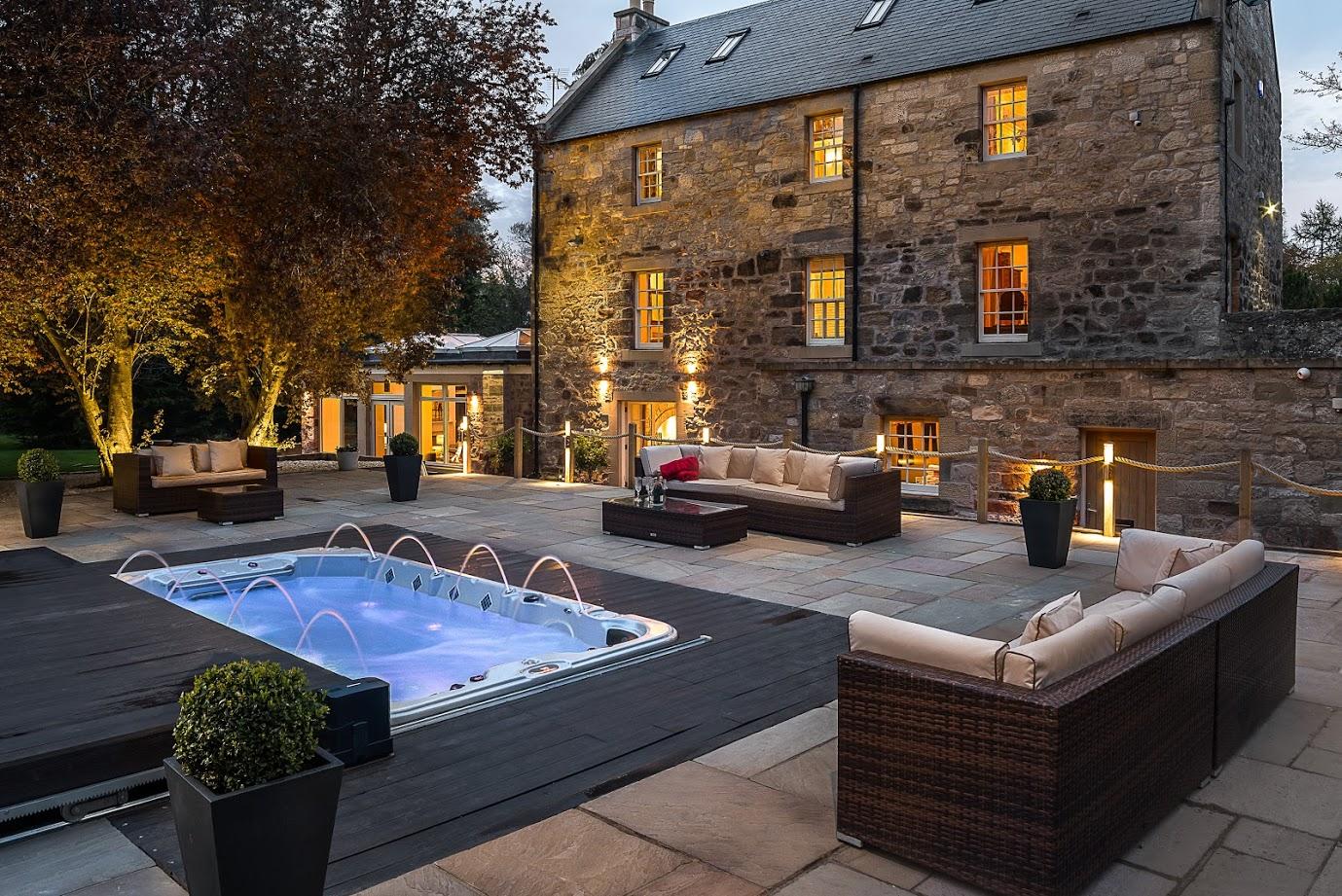 edinburgh scottish wedding venue exclusive use hot tub outdoor ceremony scotland