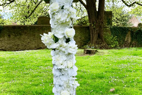 LettaFlora-Scottish-wedding-decor-giant-letter-love-hire