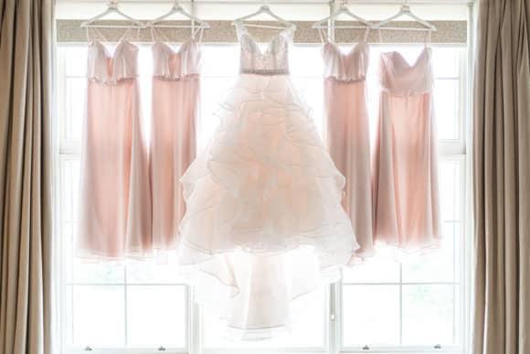 v10visuals-scottish-glasgow-wedding-photographer-bride-dress-bridesmaid