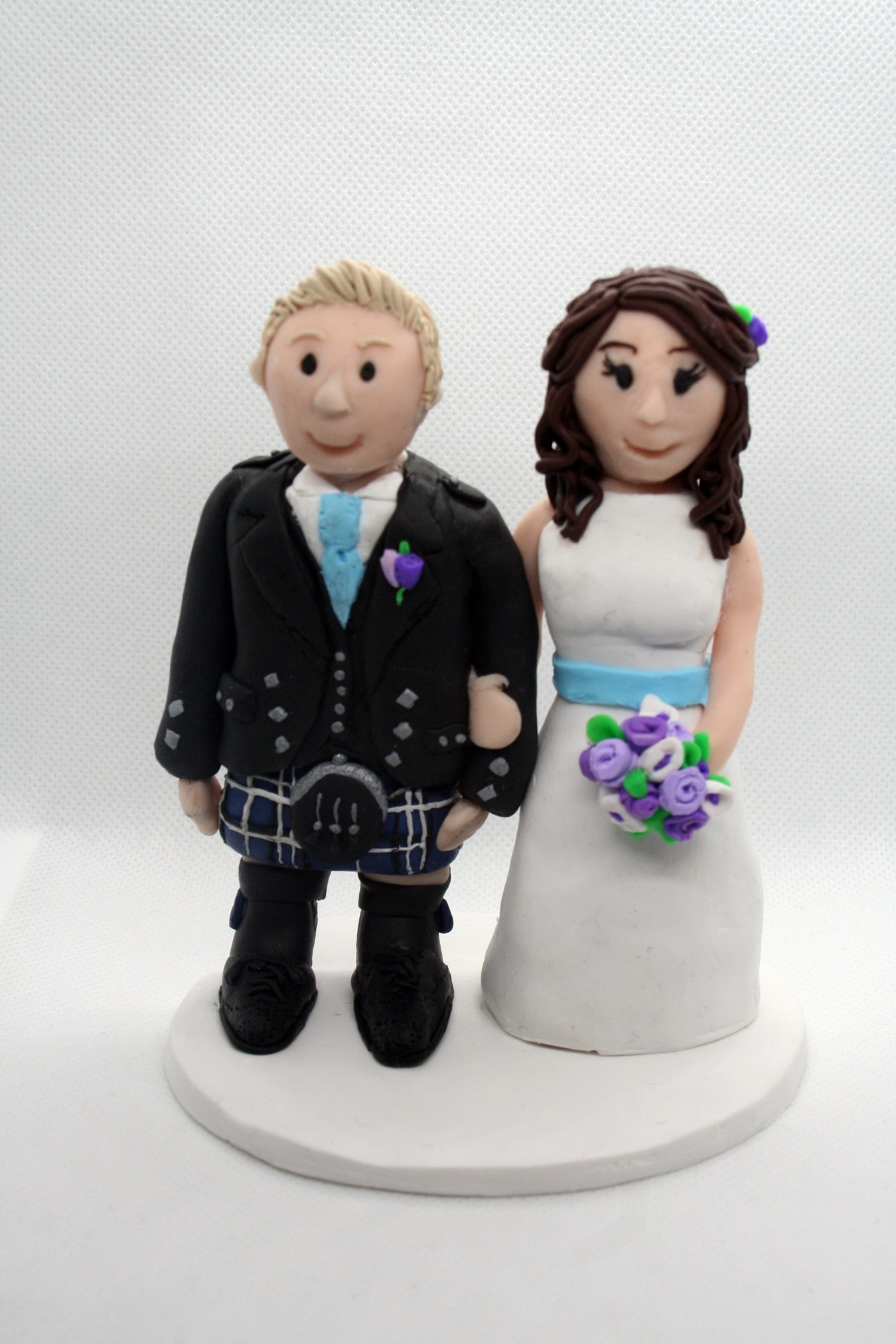 all-sorts-clay-scottish-wedding-cake-toppers-bride-groom