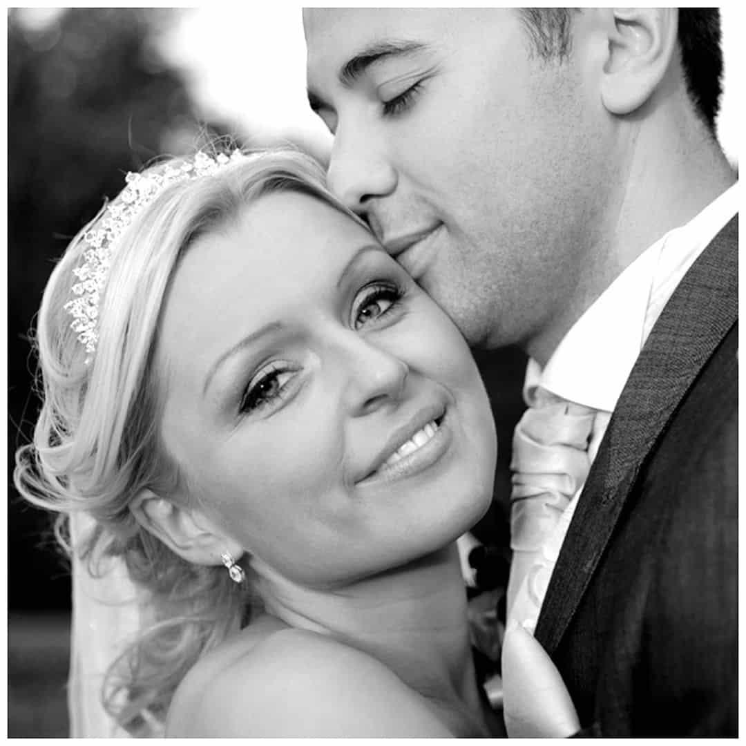 pali-photo-scottish-glasgow-wedding-photographer-bride-groom-kiss