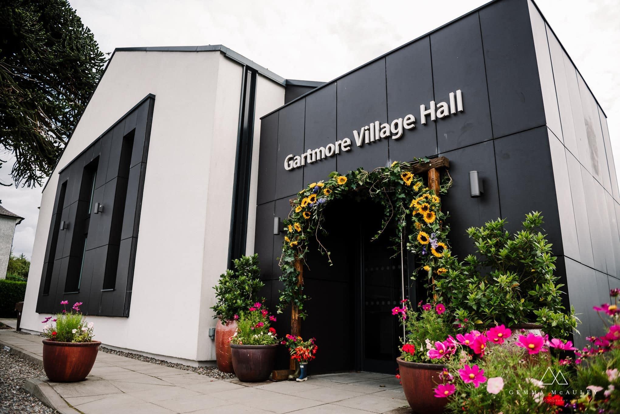 scottish-wedding-stirling-glasgow-killearn-scotland-gartmore-village-hall-reception