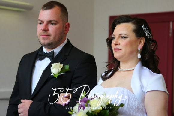 55photo-scottish-wedding-photographer-bride-groom-shot