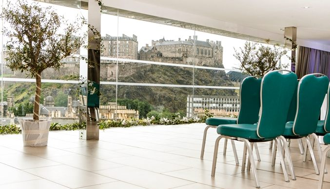 10 of the best wedding venues in Edinburgh | DoubleTree Hilton City Centre | Scottish Castle