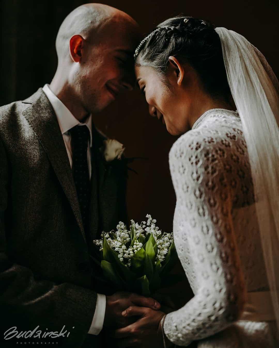 paul-budzinski-glasgow-scottish-wedding-photographer-bride-groom-bouquet