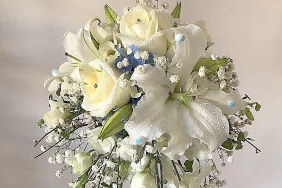 rose-above-floral-design-scottish-edinburgh-livingston-florist-cascading-bridal-bouquet-cropped