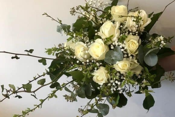 rose-above-floral-design-scottish-edinburgh-livingston-florist-yellow-white-flowers