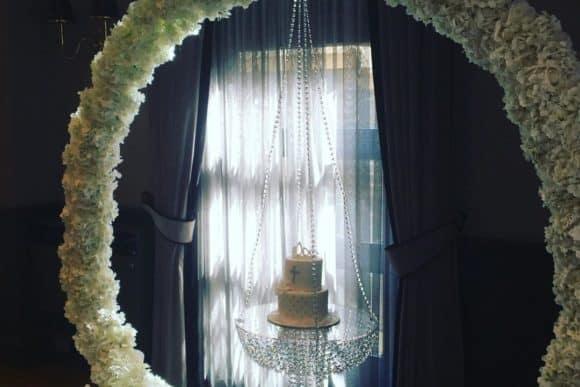 wonderland-wedding-events-glasgow-scottish-decor-styling-floral-arch-cake-swing