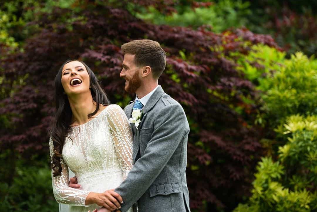 bride-groom-scottish-wedding-photography-belvedere-images-garden